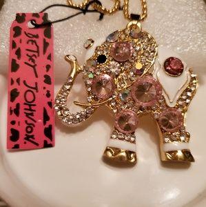 NWT Betsey Johnson Elephant Necklace